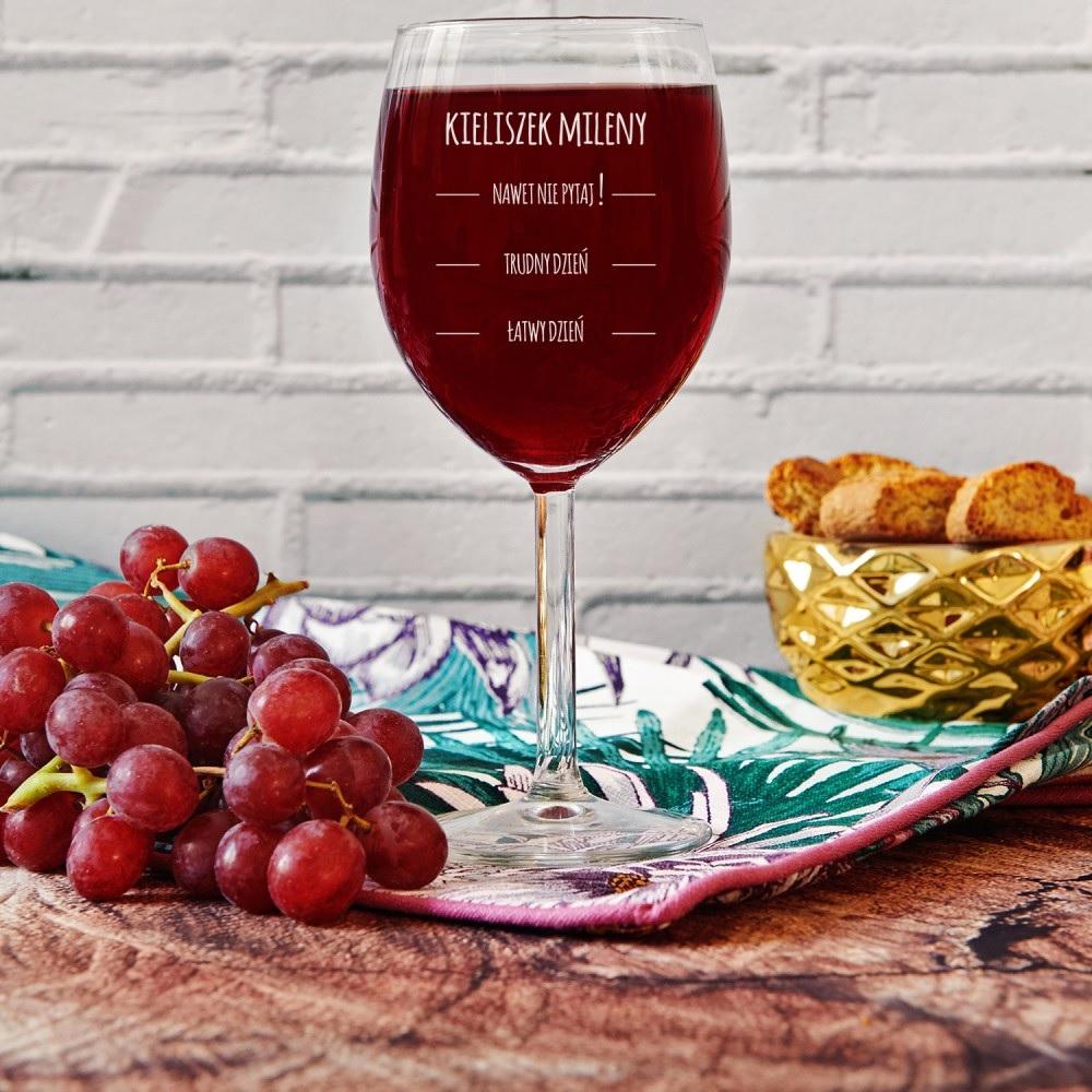 kieliszek do wina - prezent grawerowany