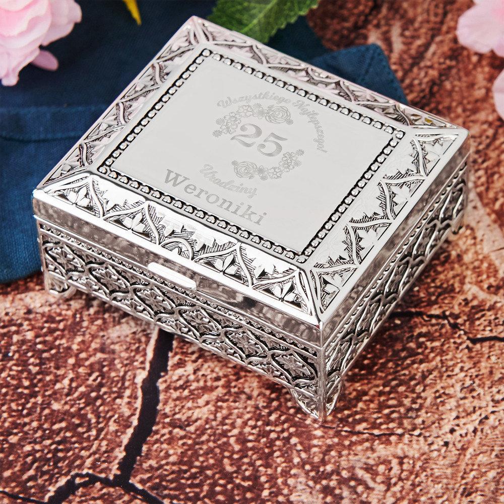 szkatułka - jaki prezent dla dziewczyny na urodziny